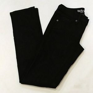 NWT. Mossimo mud-rise straight jeans